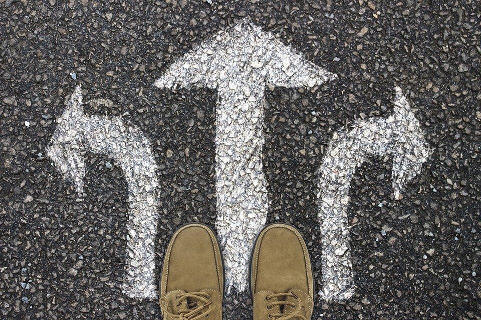 Article – Infidélité : le couple à la croisée des chemins