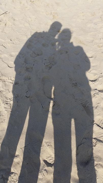 Article – Développement conjugal durable : ombres et lumières